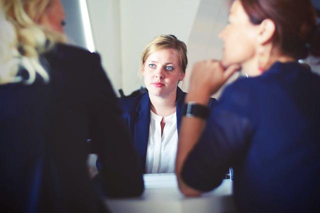 Les quatre règles pour réussir le premier rendez-vous client.